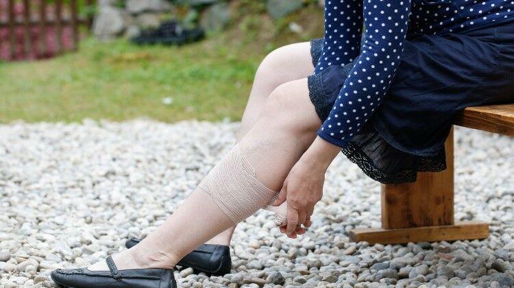 Visszeres láb masszírozása