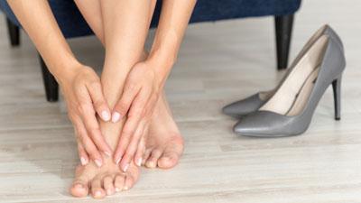 fájhatnak-e a lábak visszérrel